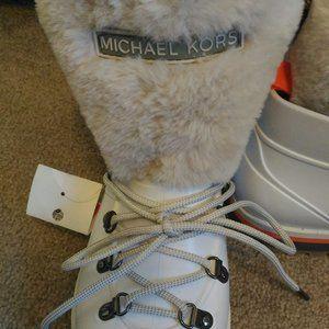 NWOB Michael Michael Kors Lanis waterproof boots